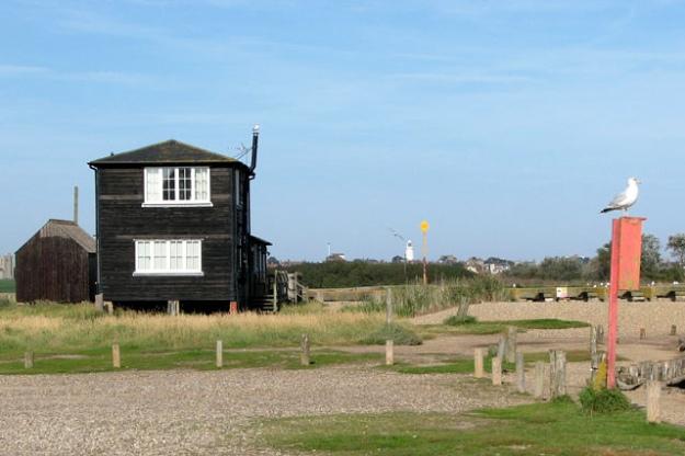 boatyard-wooden-huts-walberwick